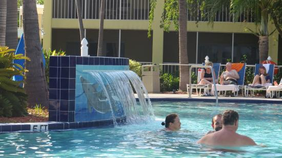 Best Western Key Ambassador Resort Inn: piscina