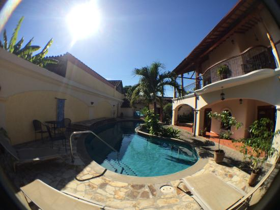 Hotel Xalteva: Pool and hotel