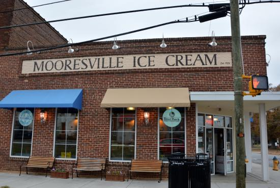 ‪Mooresville Ice Cream Co.‬