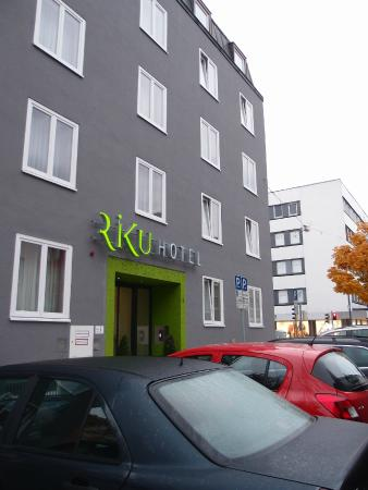 RiKu HOTEL Neu-Ulm: 色遣いが独特