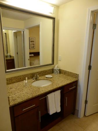 Residence Inn Birmingham Downtown at UAB: Bathroom