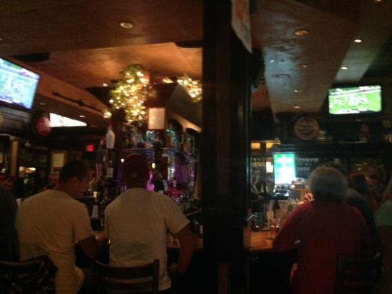 Brogues Downunder: Bar Scene