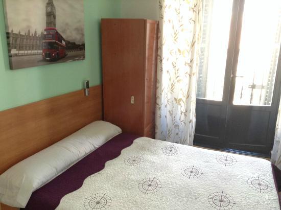 Hostal Casillas : habitación 1