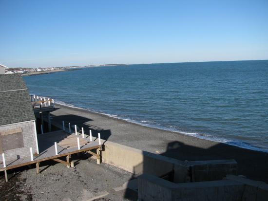 Oceanside Inn: View from patio