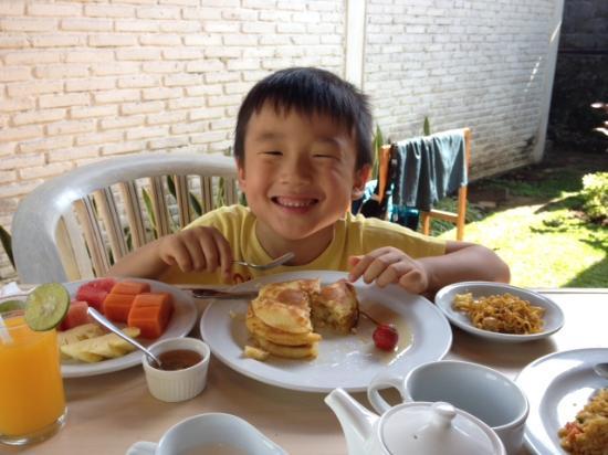 Ubud Dedari Villas: Banana pancakes breakfast, delicious!