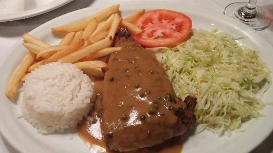 Los Anonos: 10oz steak with green peppercorn sauce