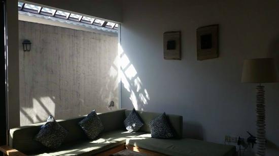 Artemis Villa and Hotel: Living area