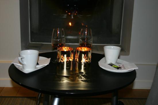 Ruths Hotel : kaffe i pejstuen