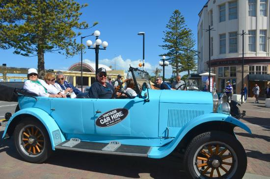 Hooters Vintage and Classic Vehicle Hire Ltd: We get our '24 Hupmobile