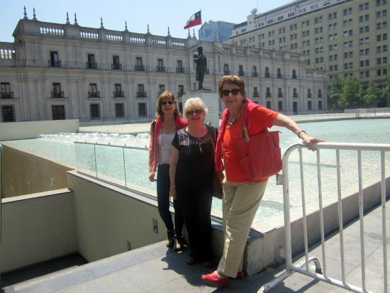 Hostal Almenas: Paseo por La Moneda