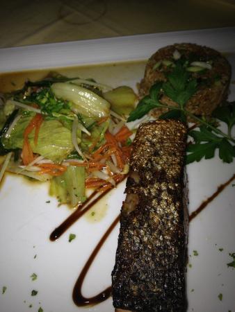 Coco51 Restaurant & Bar, by the Sea : Blackened teriyaki salmon
