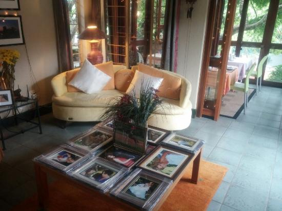 Mariu Guest House: lobby