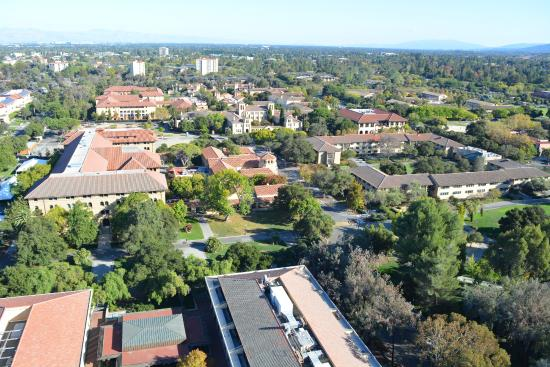 Hoover Tower : bird's eye view of Stanford