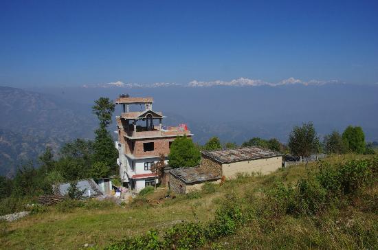 Tashi Delek Guest Lodge : Veduta del Lodge all'arrivo