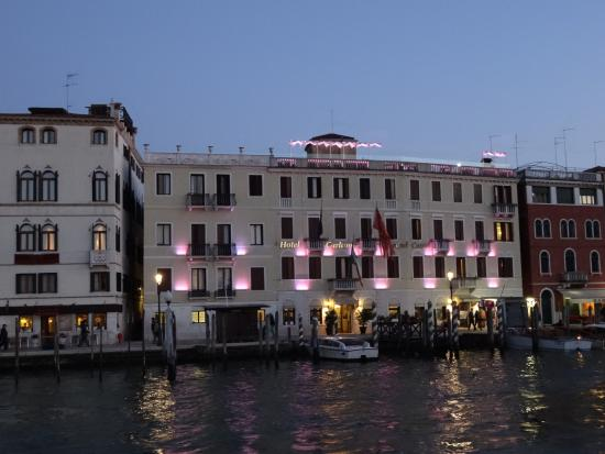 hotel carlton on grand canal picture of hotel carlton on. Black Bedroom Furniture Sets. Home Design Ideas