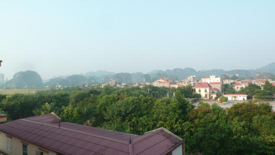 Yen Nhi Hotel : le paysage côté gauche