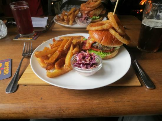 The Hare & Hounds: Massive Tasty Burgers!