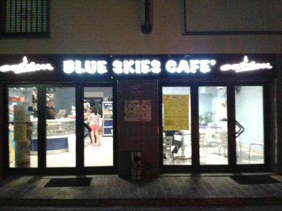 Blue Skies Cafe'