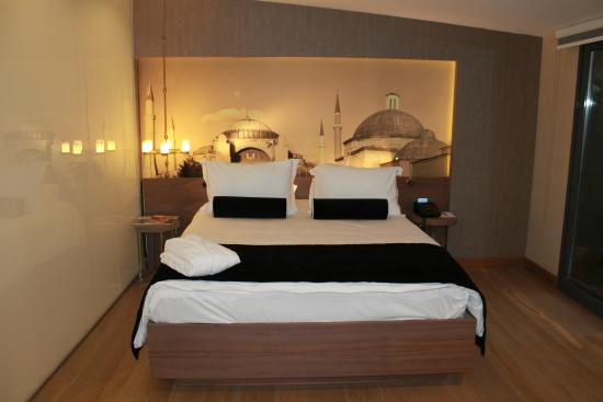 Boutique Saint Sophia Hotel : comfy bed