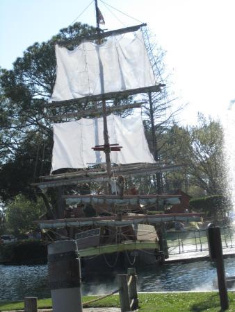 Pirate's Island Adventure Golf: The large Ship