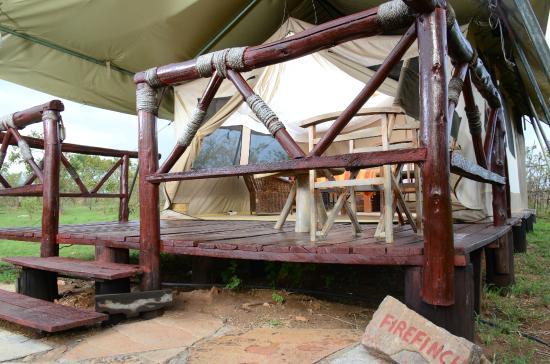 Elangata Olerai Luxury Tented Camp: veranda