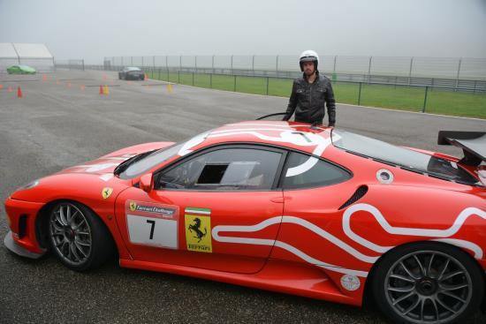 Circuit du Laquais : Ferrari F 430Challenge