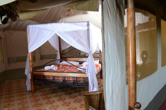 Elangata Olerai Luxury Tented Camp: executive Beds