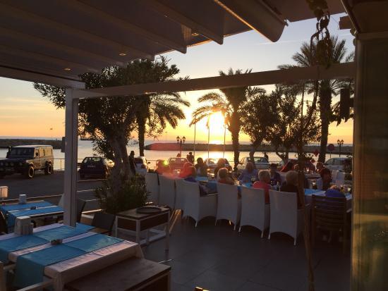 Aphrodite Restaurant: Sunset