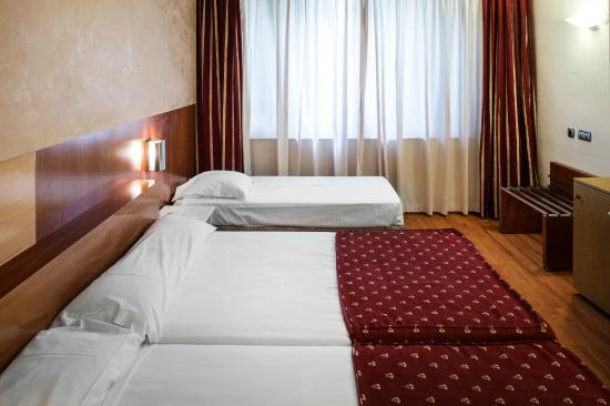 Hotel Catalonia Barcelona 505: Habitación Triple