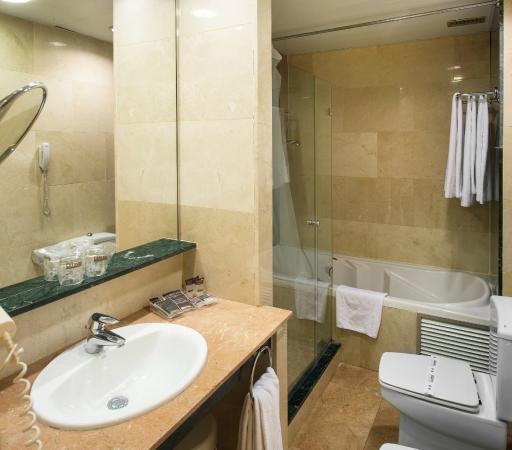 Photo of Hotel Catalonia Barcelona 505