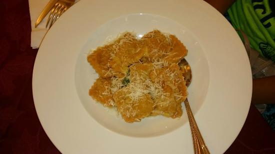Azzurra: Обратите внимание на размер порции по сравнению с вилкой.