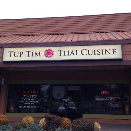 Tup Tim Thai Cuisine: Outside Tup Tim