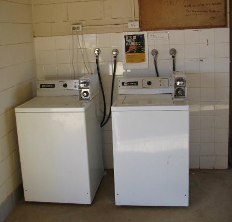 Kulgera Roadhouse Hotel Motel : Laundry