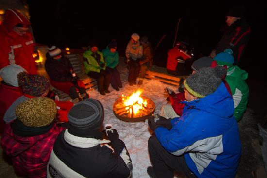 Schneedorf: Feuerstelle