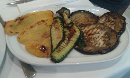 Pieve di Cento, Itália: verdure alla griglia