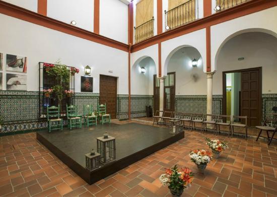 Hotel Alcantara: Patio interior