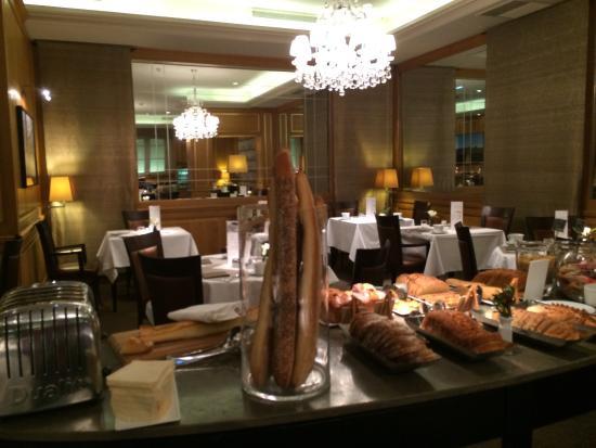 Hotel Baltimore Paris Champs-Elysees: Petit déjeuner