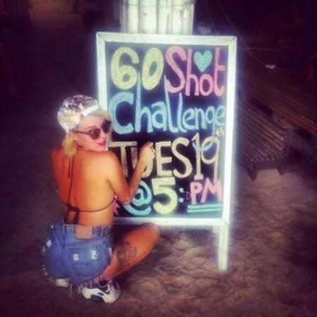 Blanco Dorm Room & Beach Bar : 60 Shot Challenge