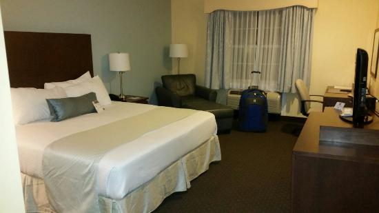 BEST WESTERN PLUS Liverpool Hotel & Conference Centre : King bed