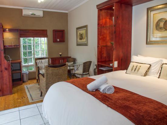 Conifer Beach House: mini suite