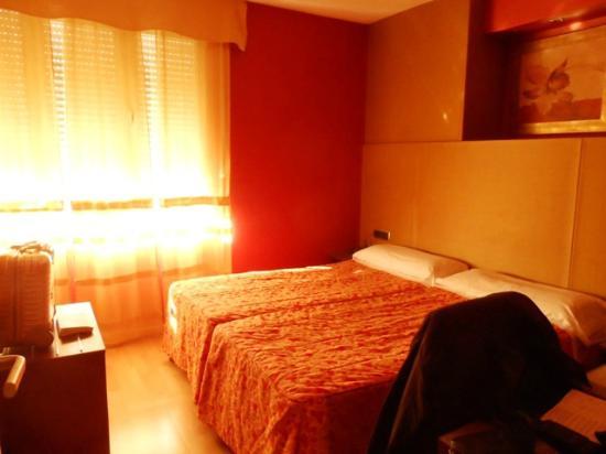 Hotel Villa De Barajas : Zimmer