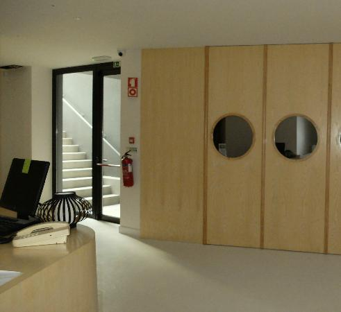 Axis Vermar Conference & Beach Hotel: Keep looking, gym hidden behind these doors!