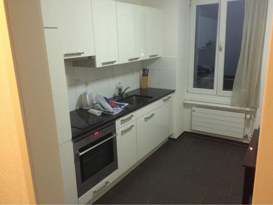 Guesthouse Dienerstrasse: kitchen