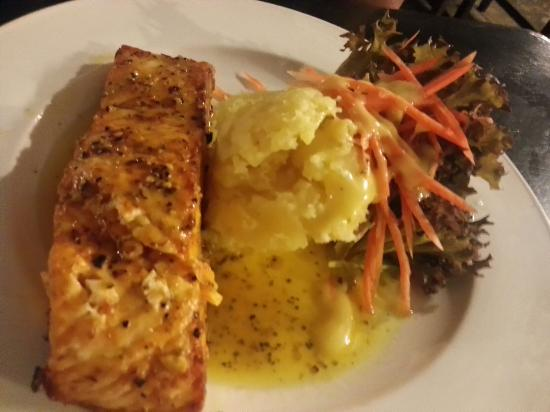 Sharing Planet : grilled salmon
