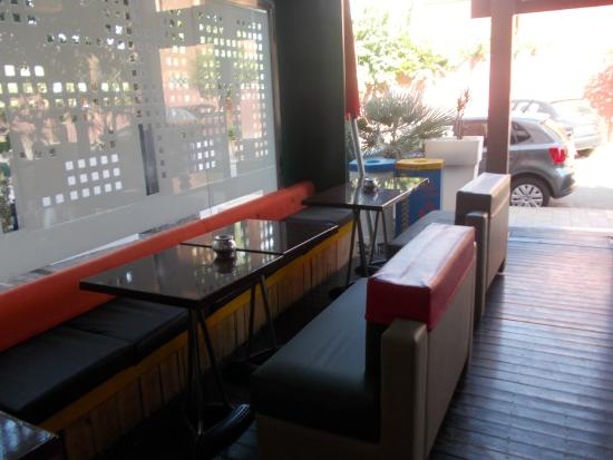 Azyr : Outdoor seating