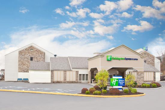 Holiday Inn Express Hotel & Suites Pittsburgh Airport: Welcome To Holiday Inn Express & Suites Pittsburgh Airport
