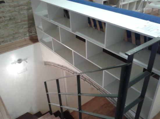 Barcelona City Apartment: Stairs down to bedroom