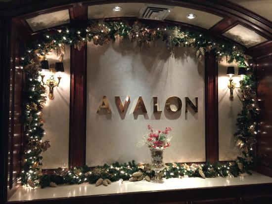 Avalon Hotel: Holiday Decorations 2014