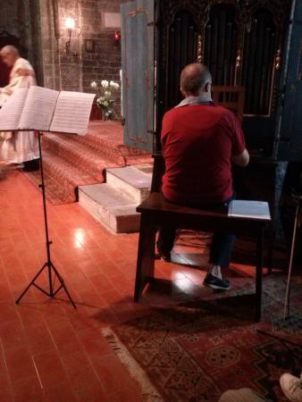 Chiesa di San Nicolo di Capodimonte : organista durante un matrimonio