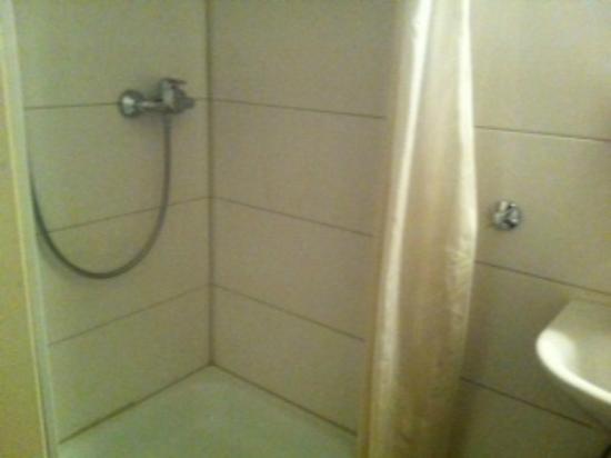 Novum Hotel Ahl Meerkatzen Cologne Altstadt : Shower